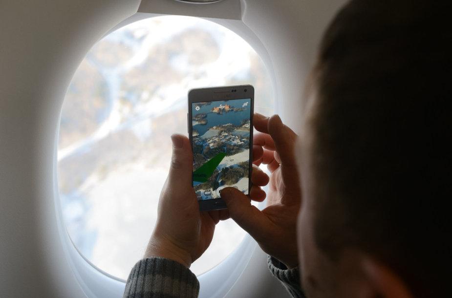 """Pirmojo skrydžio su """"Bombardier CS300"""" akimirkos"""
