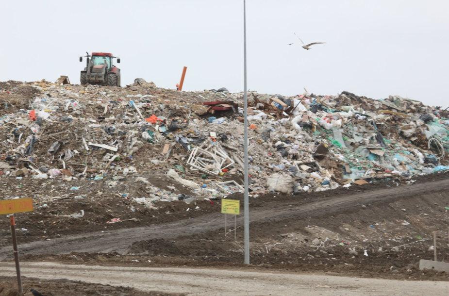 Atliekos į Dumpių sąvartyną suvežamos iš septynių savivaldybių