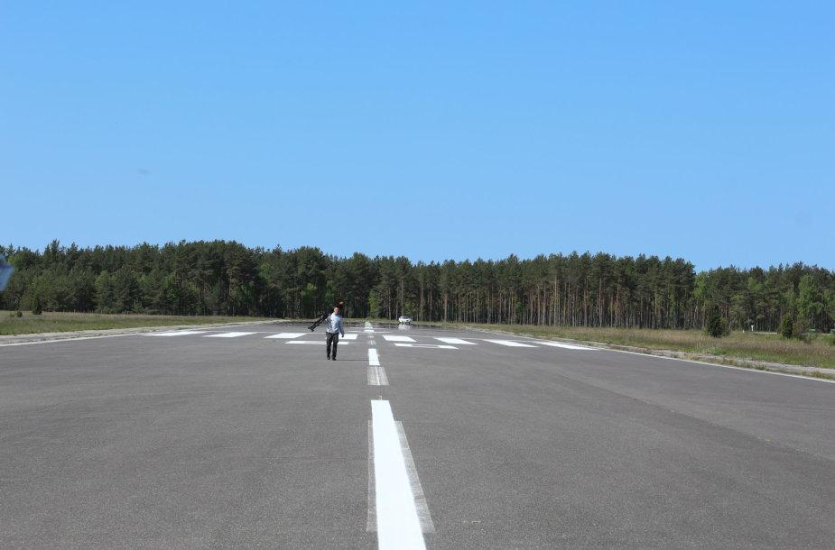 Nidos orlaivių nusileidimo aikštelė