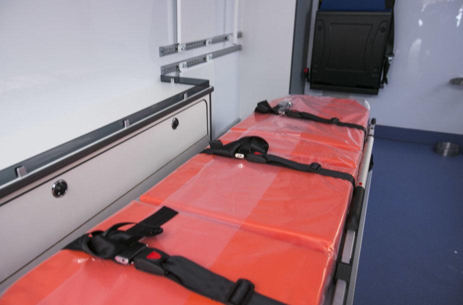 Sveikatos apsaugos ministerija  perdavė gydymo įstaigoms 24 A tipo GMP automobilius