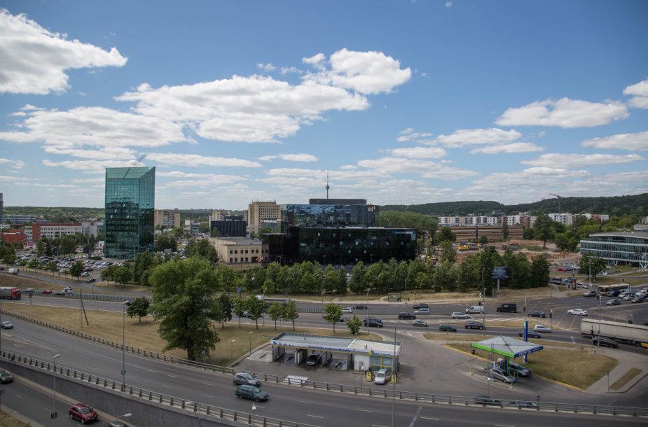 """Vaizdai iš biurų komplekso """"Park Town"""" statybų aikštelės"""