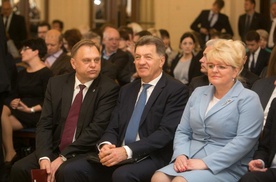 Iš dešinės: Valdas Sutkus, Algirdas Butkevičius, Algimantas Pabediskienė