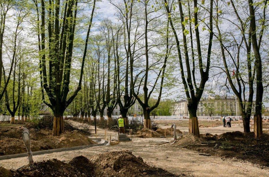 Rekonstruojama Lukiškių aikštė iš arti