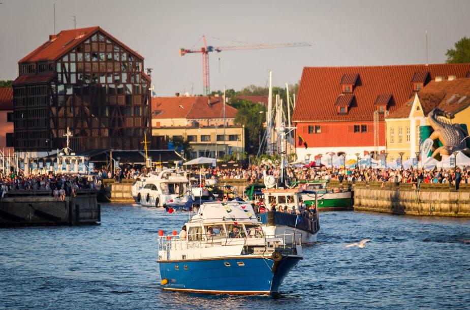 Naktinis laivų paradas Klaipėdoje
