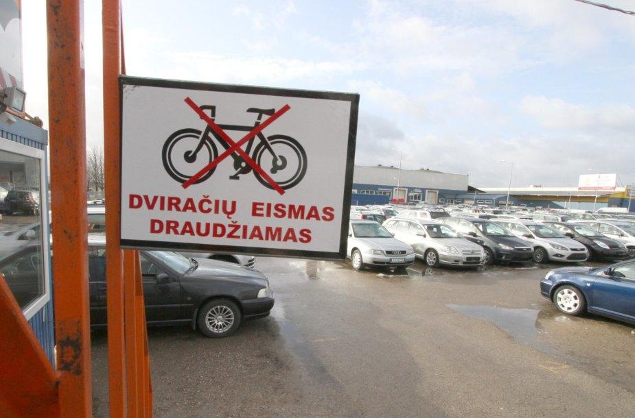 Automobilių turgus Šiauliuose