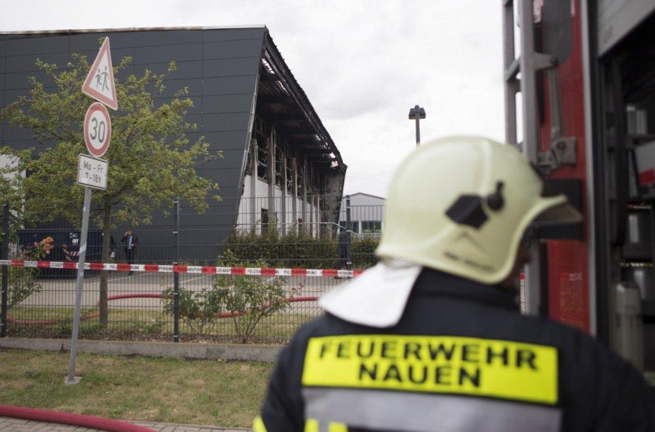 Padegta laikina pabėgėlių stovykla prie Berlyno