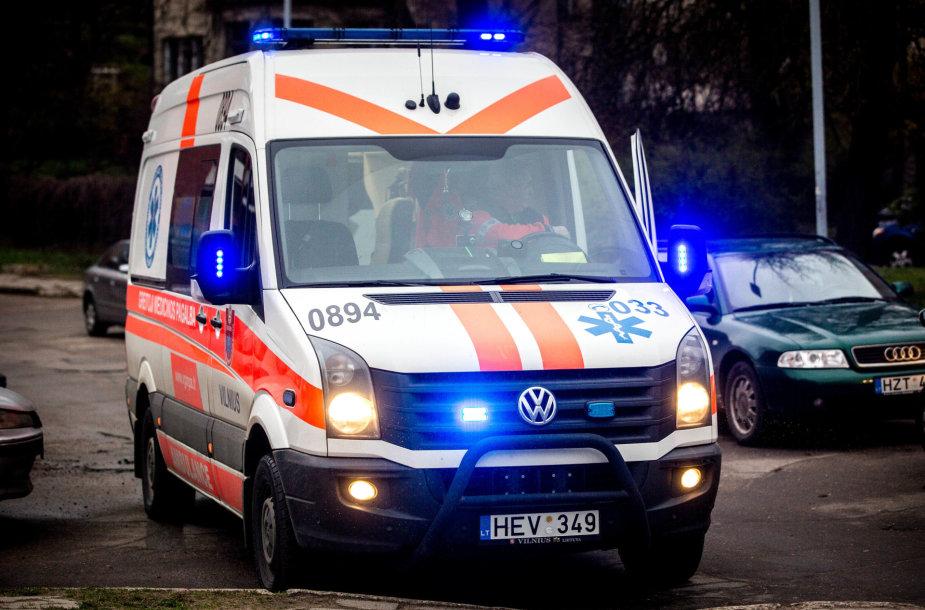 Sostinės Filaretų gatvėjė automobilis partrenkė vaiką