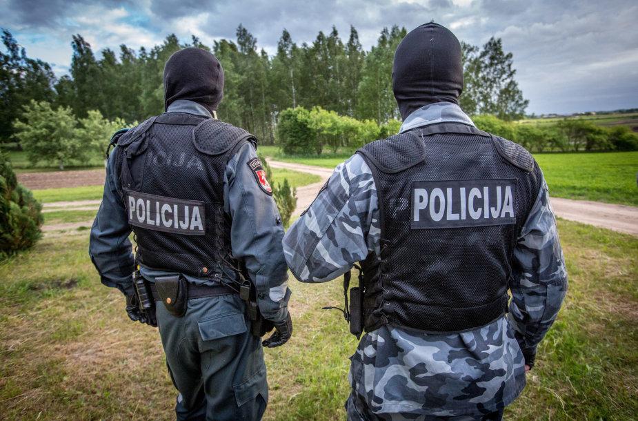 Policijos pareigūnai krečia įtariamųjų namus Šalčininkų rajone