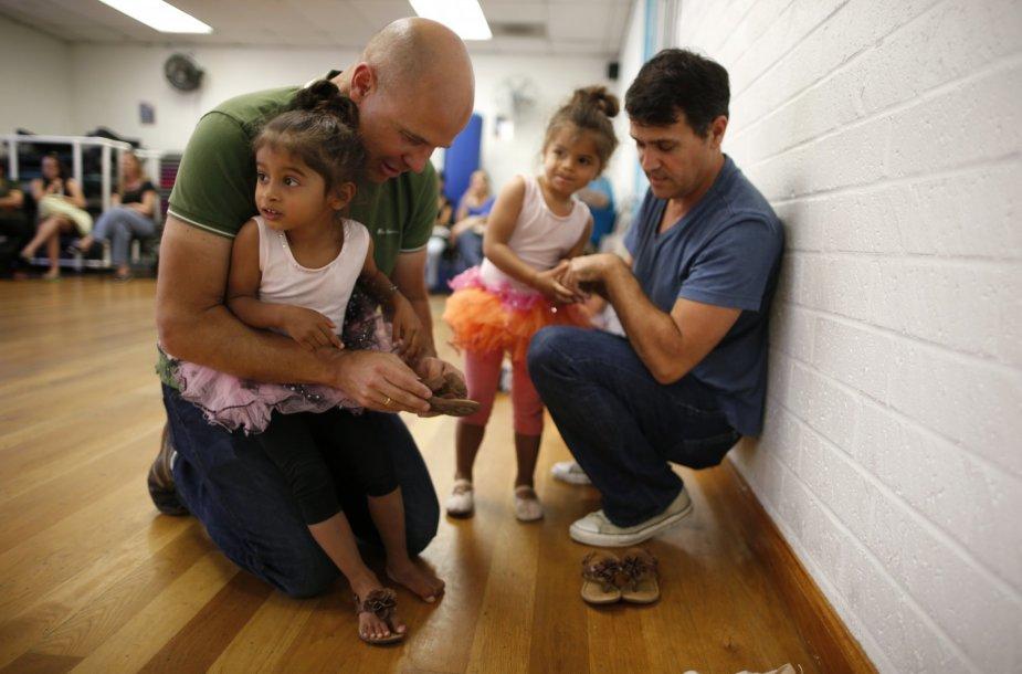 Jasono Howe ir Adriano Perez-Boludos šeima Los Andžele