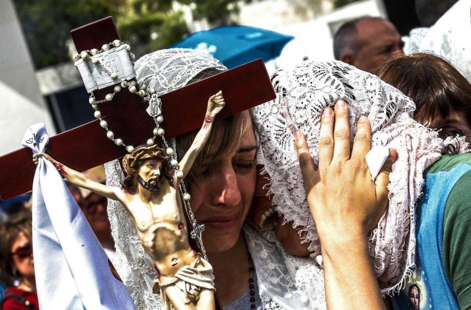 Tūkstančiai katalikų Fatimos apreiškimo metinių mišiose Portugalijoje