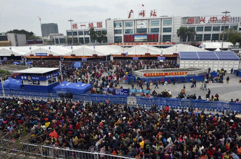 Kinai keliauja pas artimuosius sutikti Naujųjų metų