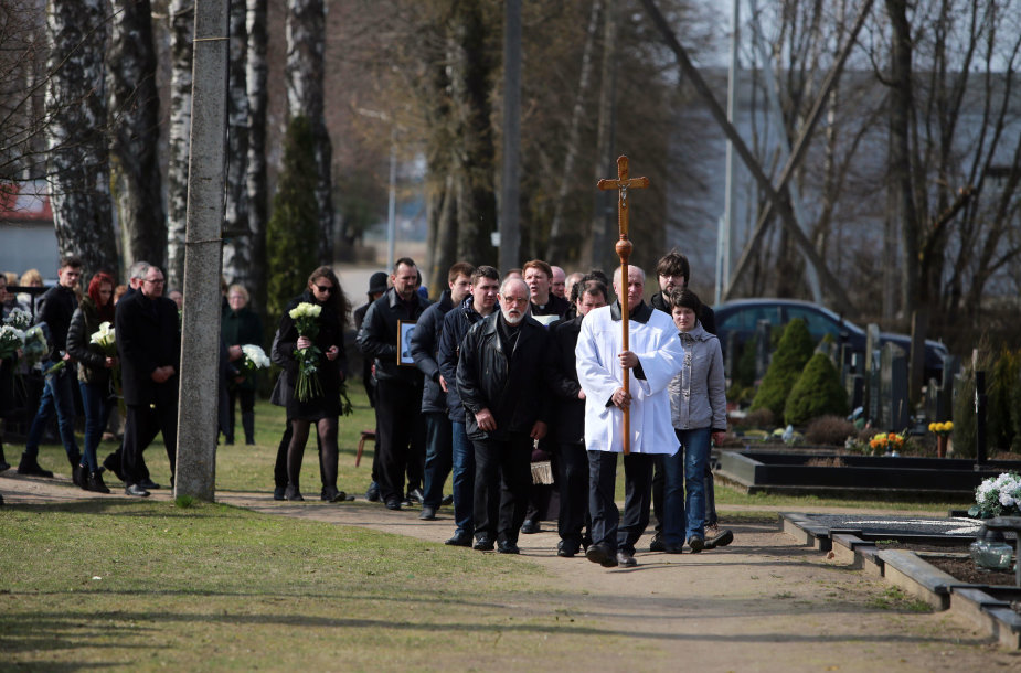 Anupraičių šeimos laidotuvės