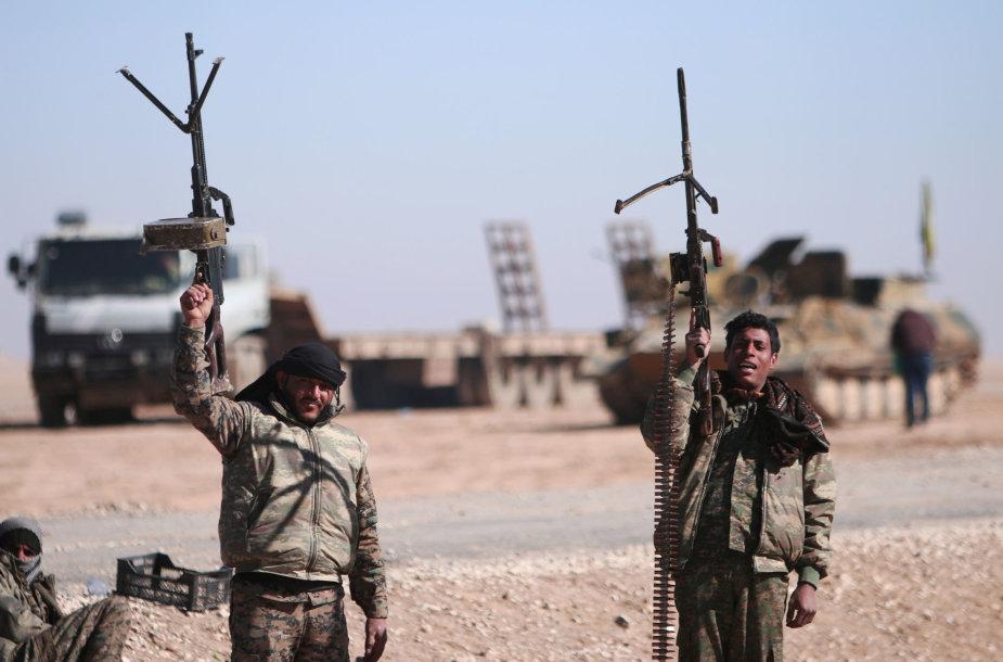 JAV remiamos Sirijos demokratinės pajėgos (SDF)