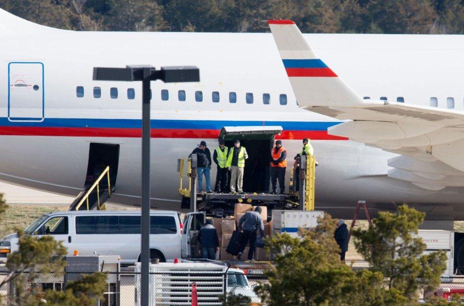 JAV išsiųstus Rusijos diplomatus skraidinantis lėktuvas