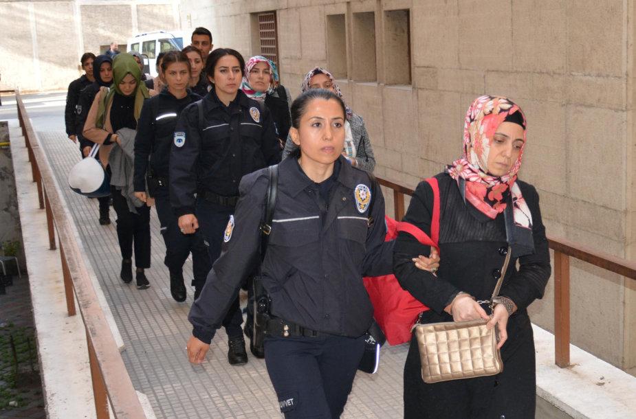 Turkijoje dėl ryšių su JAV gyvenančiu pamokslininku F.Gulenu sulaikyti 25 asmenys.