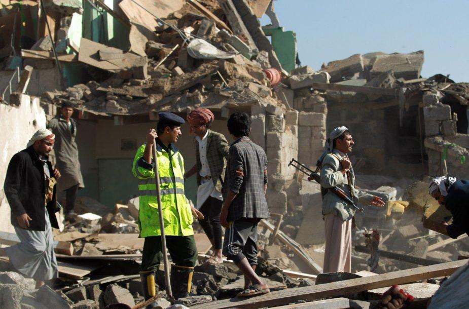 Saudo Arabijos aviacijos oro atakų padariniai Sanoje