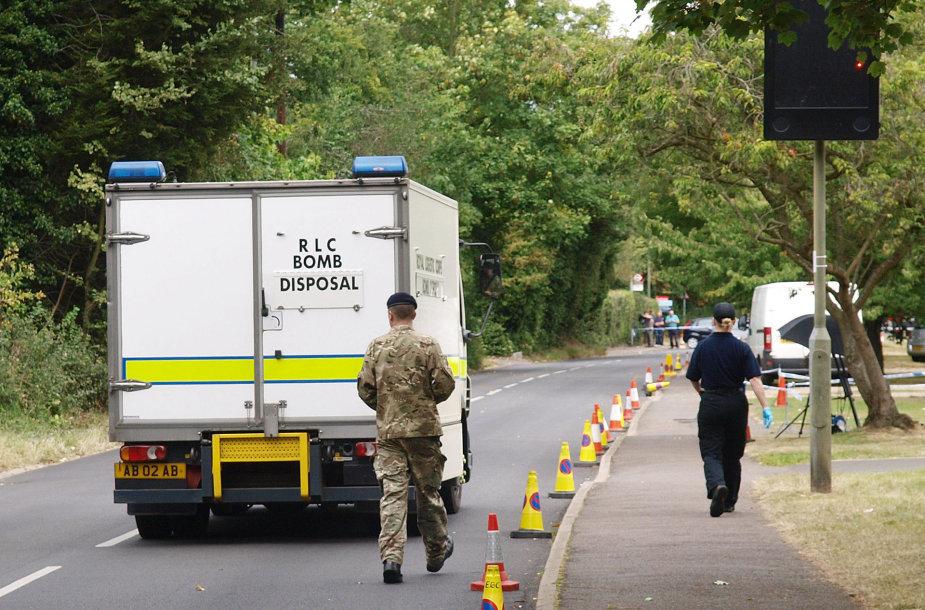 Pranešus apie sprogmenis 14 Anglijos mokyklų, pavojingų medžiagų nerasta.
