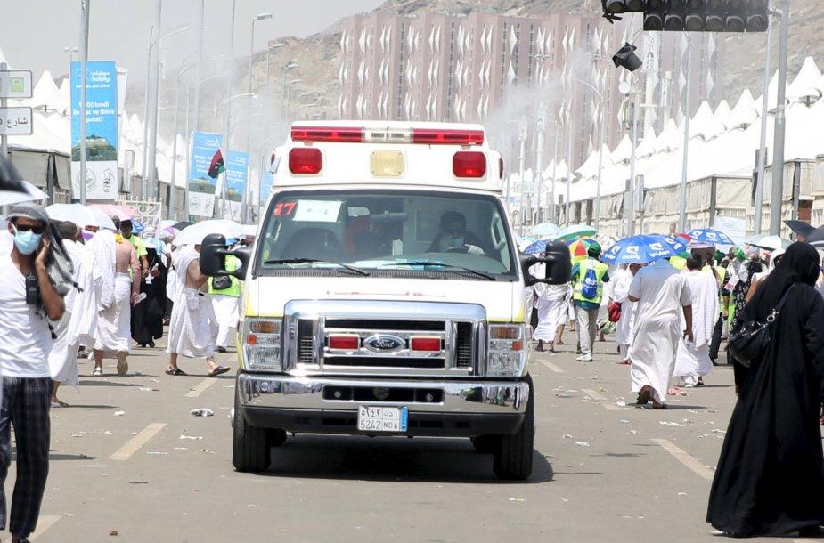 Saudo Arabijoje per hadžą susidariusią spūstį žuvo daugiau nei 700 žmonių.