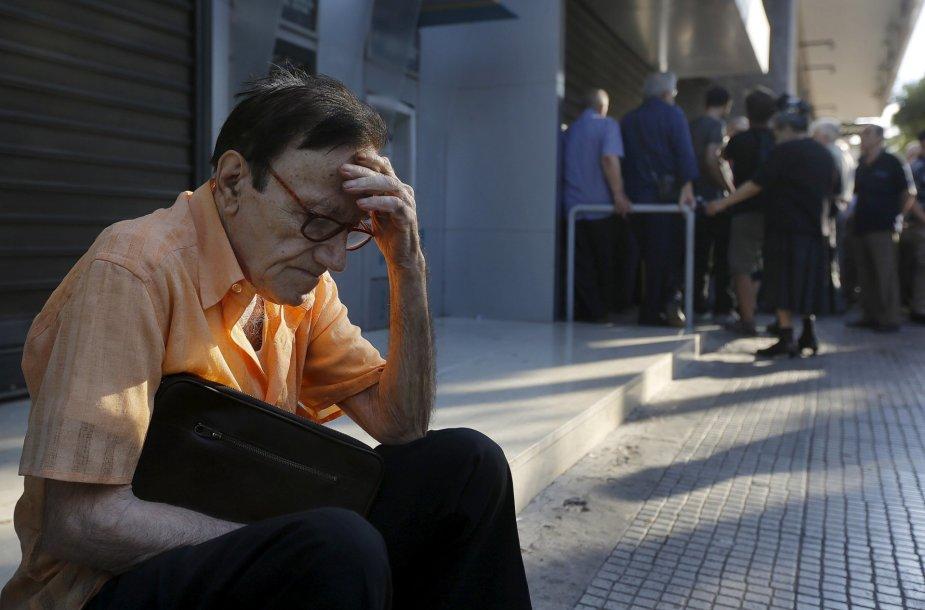Graikija savaitei uždarė bankus ir įvedė kapitalo kontrolę