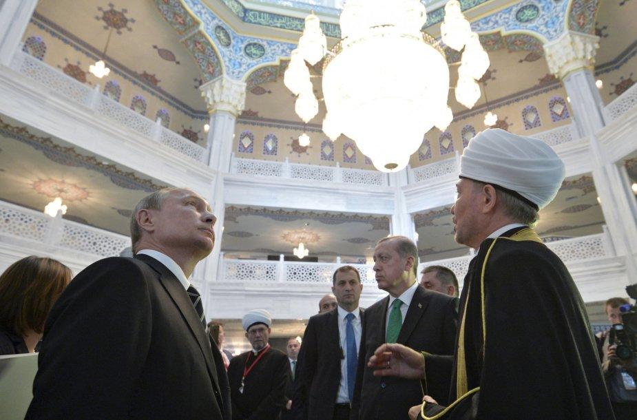 Vladimiras Putinas mečetės atidaryme