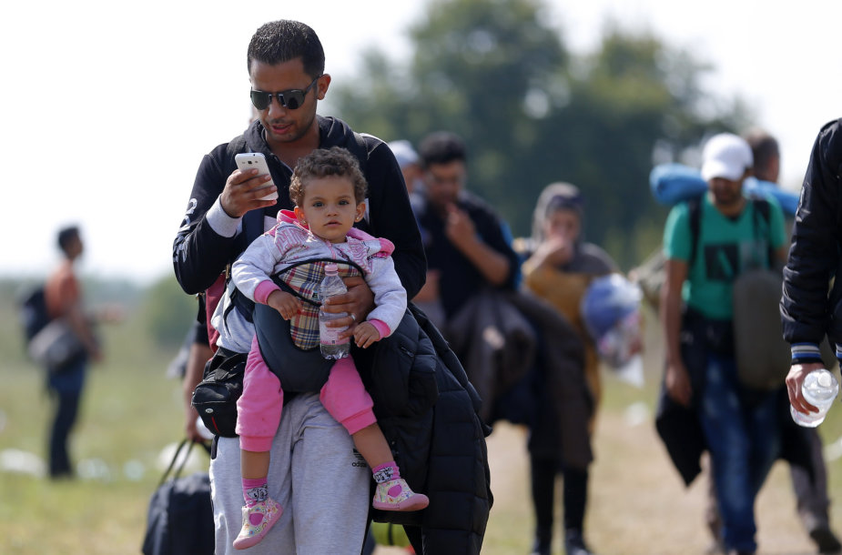 Pabėgėliams svarbiausias dalykas – jų turimas išmanusis telefonas