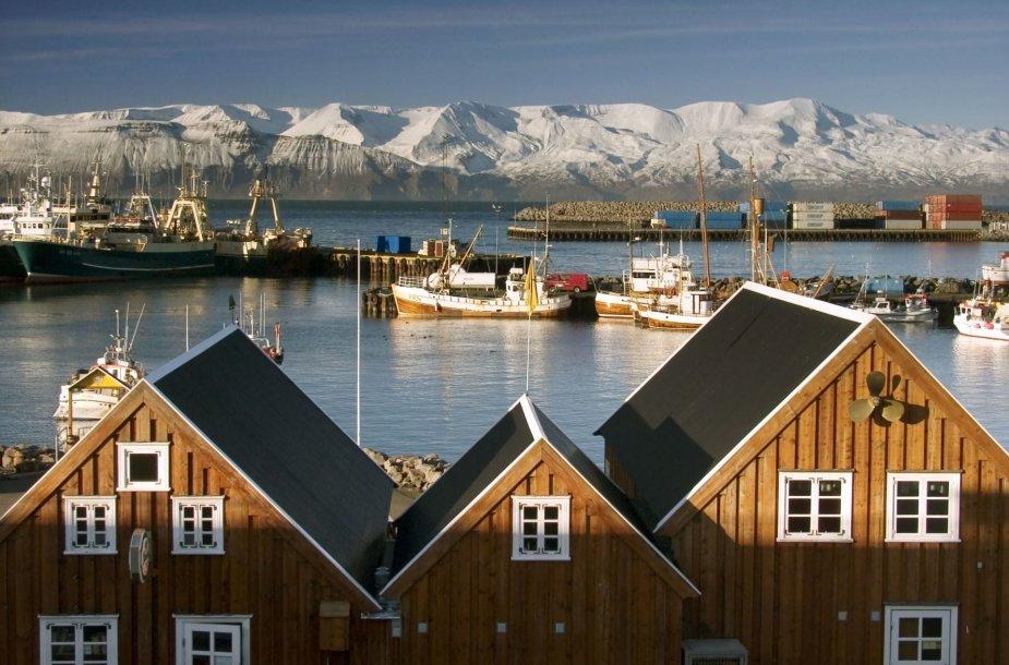 Uostas miestelyje Islandijoje