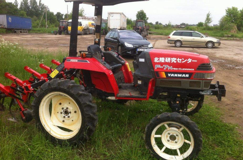 """Traktorius """"Yanmar"""""""