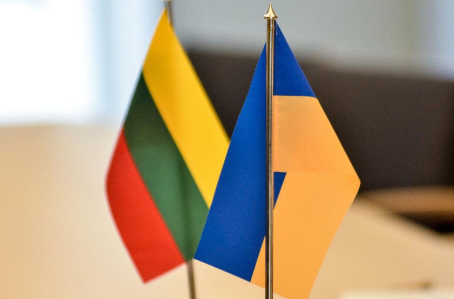 Ukrainos ir Lietuvos vėliavos