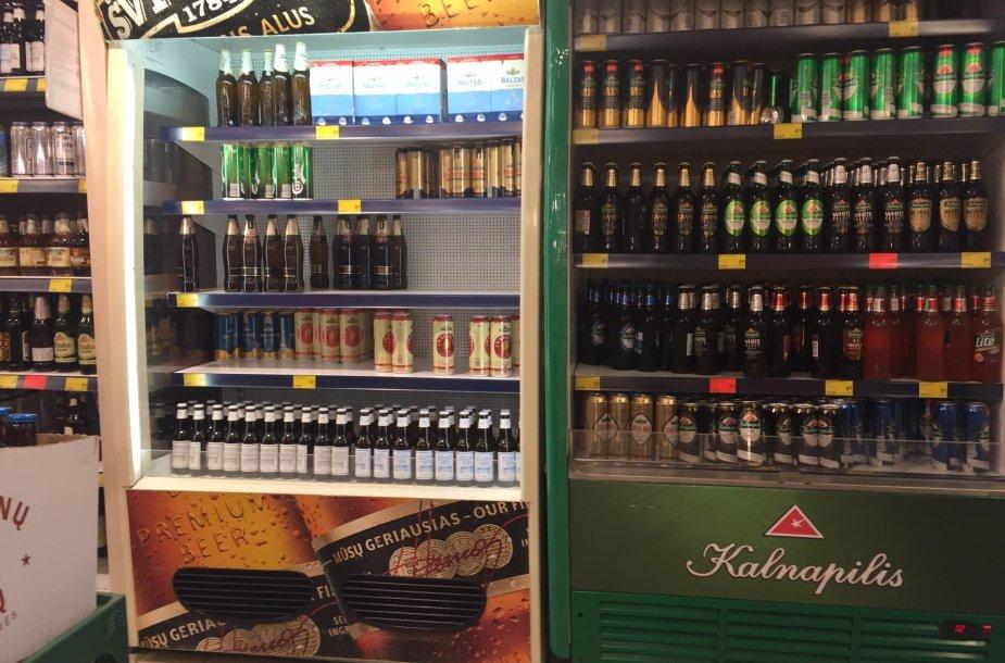 """Didžiausiame prekybos tinkle """"Maxima"""" jau netrukus gali nelikti """"Švyturio-Utenos alaus"""" produkcijos."""