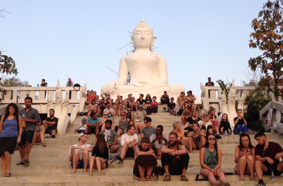 Taip atrodo dauguma turitinių vietų Tailande – jose pilna žmonių