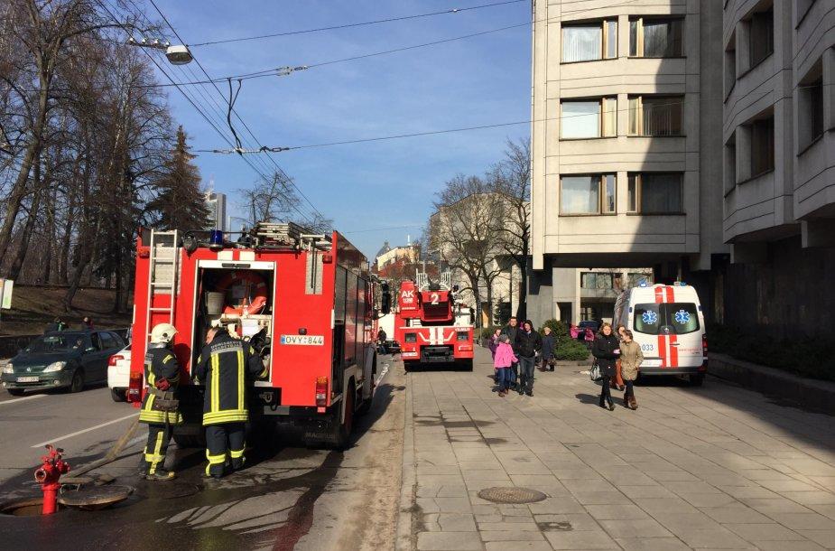 Gautas pranešimas apie gaisrą Vyriausybės pastate