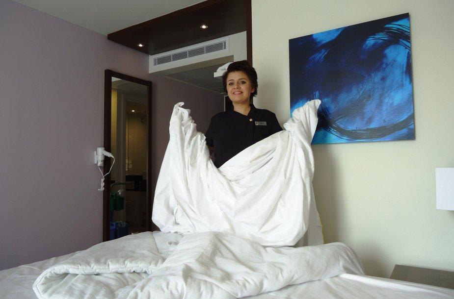 Dirbdama viešbutyje svajojau, kad klojuosi lovą sau ir tuoj nugriūsiu į ją pasnausti.