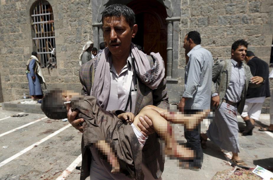 Jemeno sostinės mečetėse susisprogdino mirtininkai
