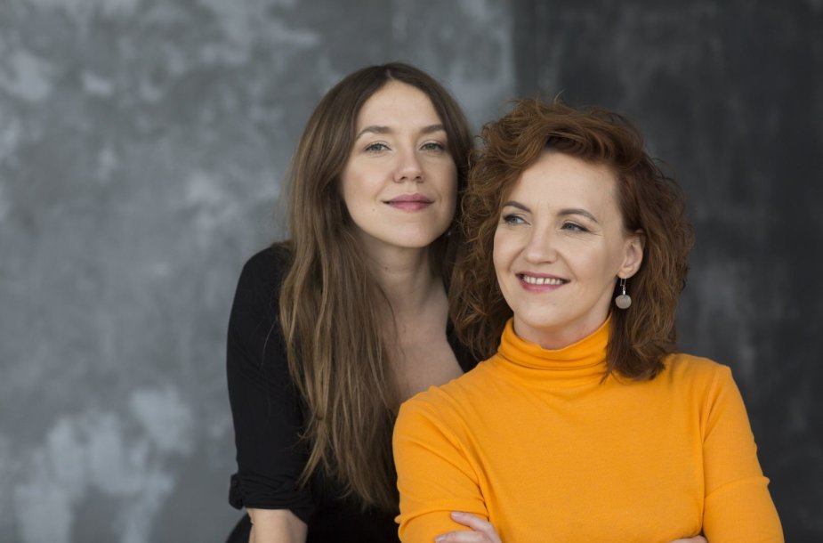 "Knygos ""Natūraliai saldu"" autorės seserys Rūta ir Asta"