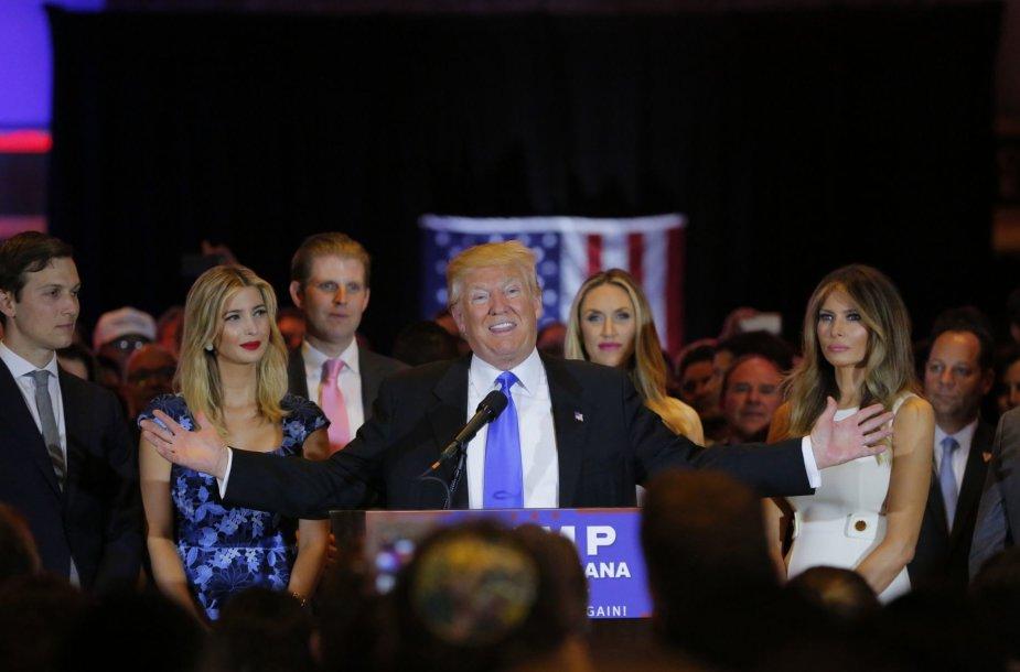 Trumpas triuškinamai laimėjo Indianoje, Tedas Cruzas nutraukė savo kampaniją
