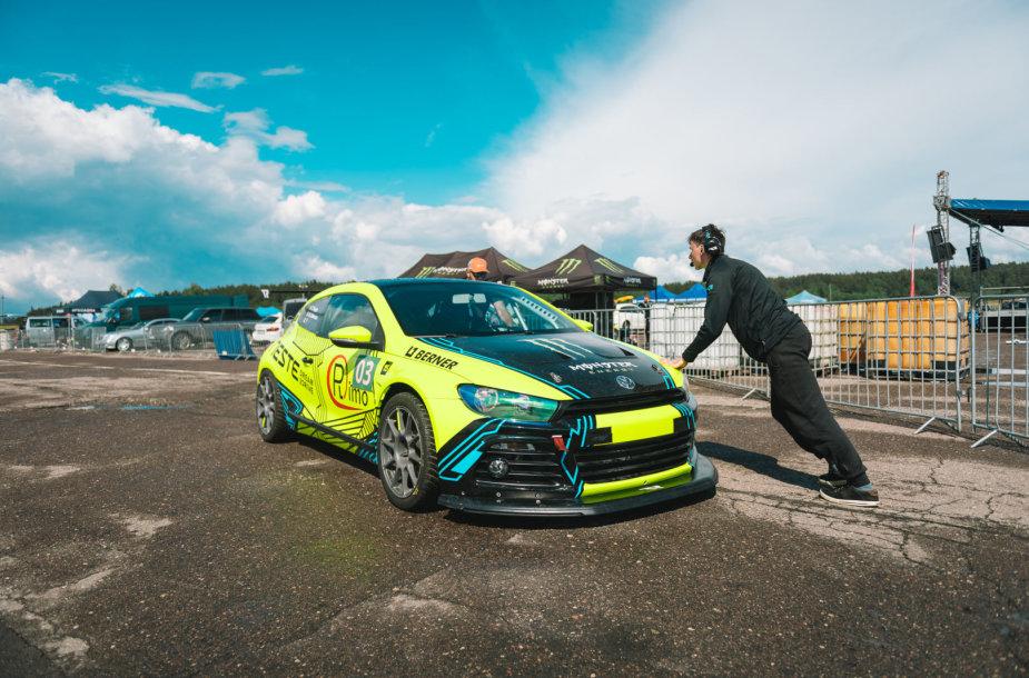 """""""Neste Dream 2 Drive – Tauras Racing"""" komandos automobilis, kurį """"Autoplius.lt Fast Lap"""" Kačerginėje pilotuos du Lietuvos virtualių žiedinių lenktynių čempionato nugalėtojai."""