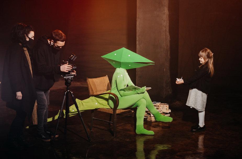 """""""Klostės"""" – trumpų novelių filmas, įkvėptas Kauno modernistinės architektūros"""