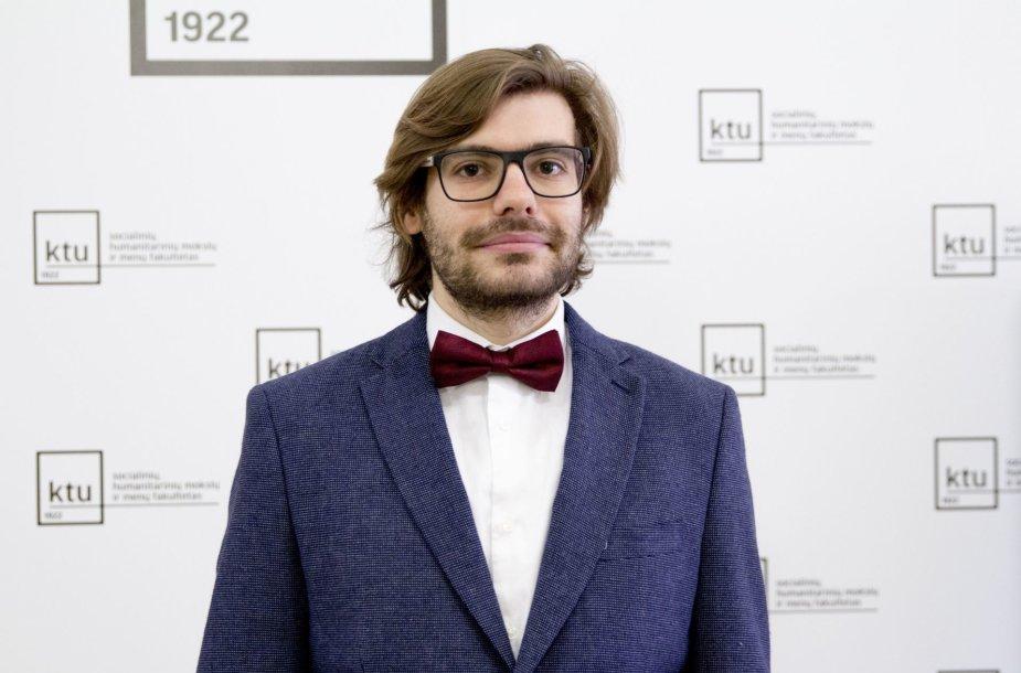 Alinas Olteanu, Kauno technologijos universiteto (KTU) Tarptautinio semiotikos instituto tyrėjas.