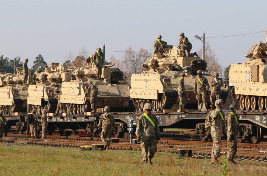 JAV kariai ir karinė technika prie Pabradės