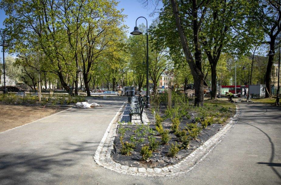 Baiginėjami Reformatų parko atnaujinimo darbai