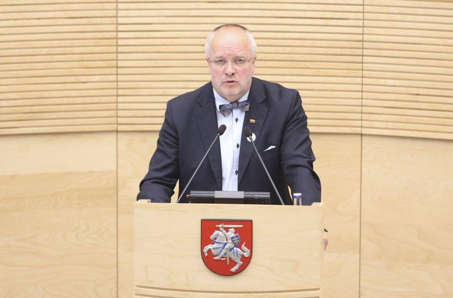 Juozas Olekas atsakinėja į Seimo narių klausimus