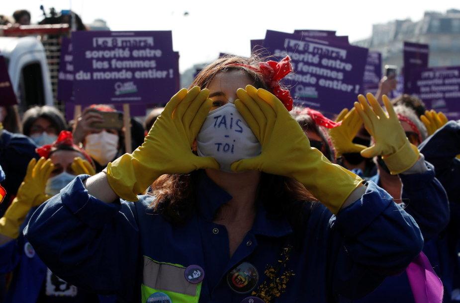 Maršas už lyčių lygybę Paryžiuje
