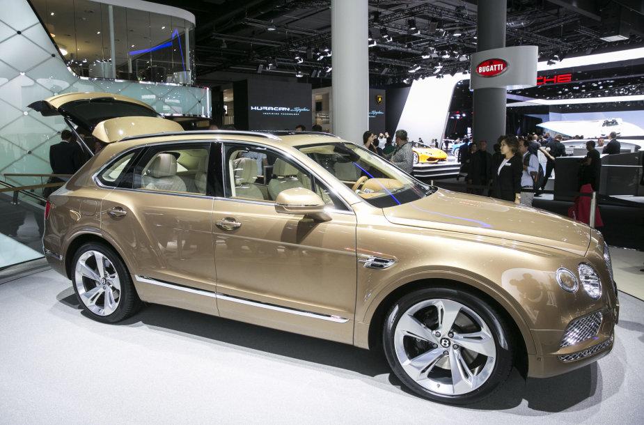 """Bentley Bentayga"" Frankfurto automobilių parodoje"