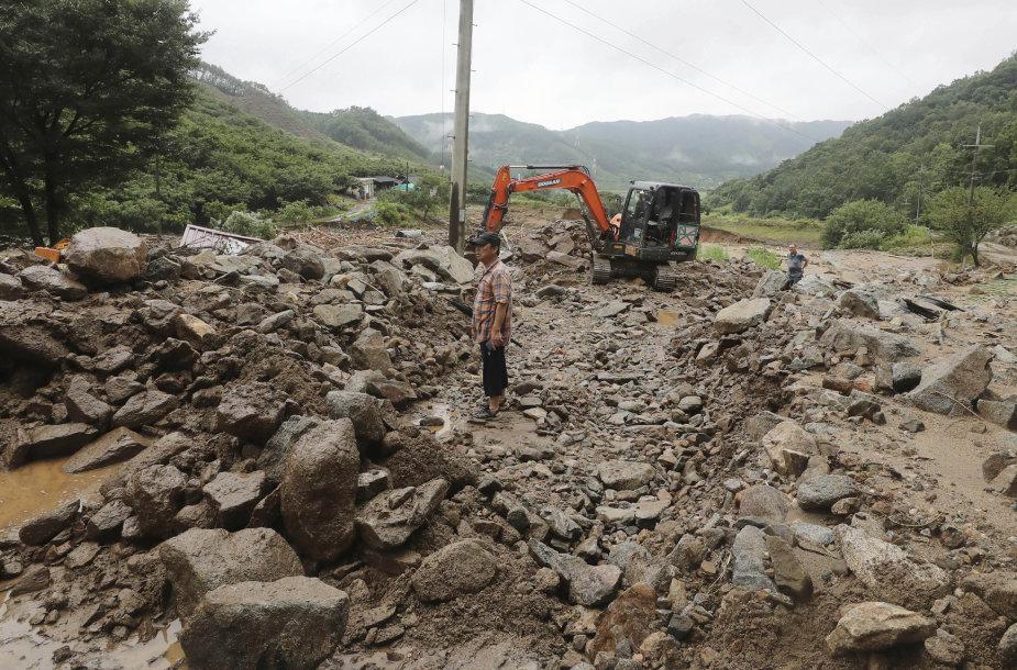 Purvo nuošliauža Pietų Korėjoje po kilusių liūčių
