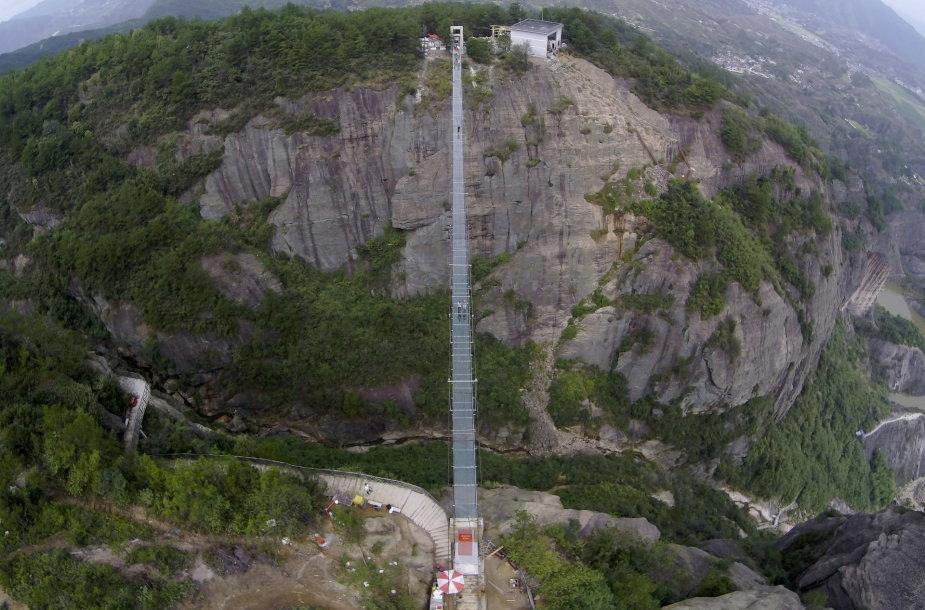 Stiklinis tiltas Kinijoje