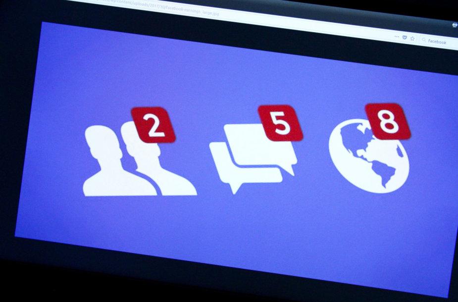 """Toks vaizdas """"Facebook"""" tinkle skatina į rankas griebti telefoną ir pasinerti į virtualų pasaulį"""