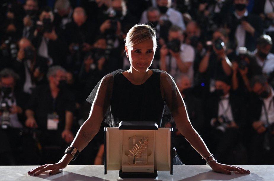 Pagrindinis Kanų festivalio prizas – šokiruojančiai prancūzų režisierės juostai