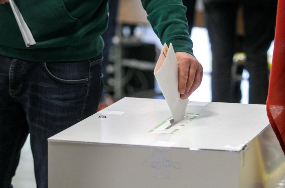Rinkimų apylinkėje
