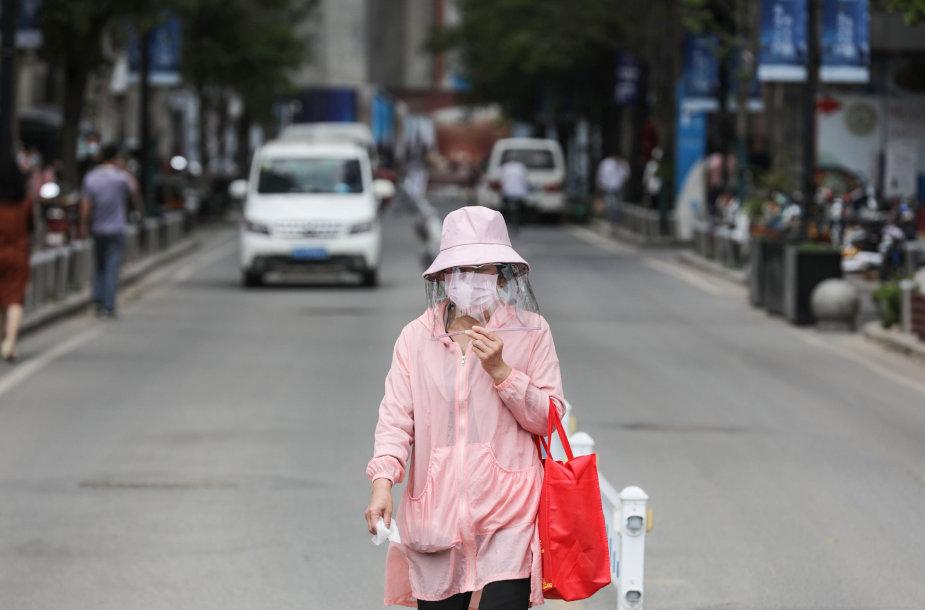 Kinijoje auga nerimas dėl naujų užsikrėtimų koronavirusu