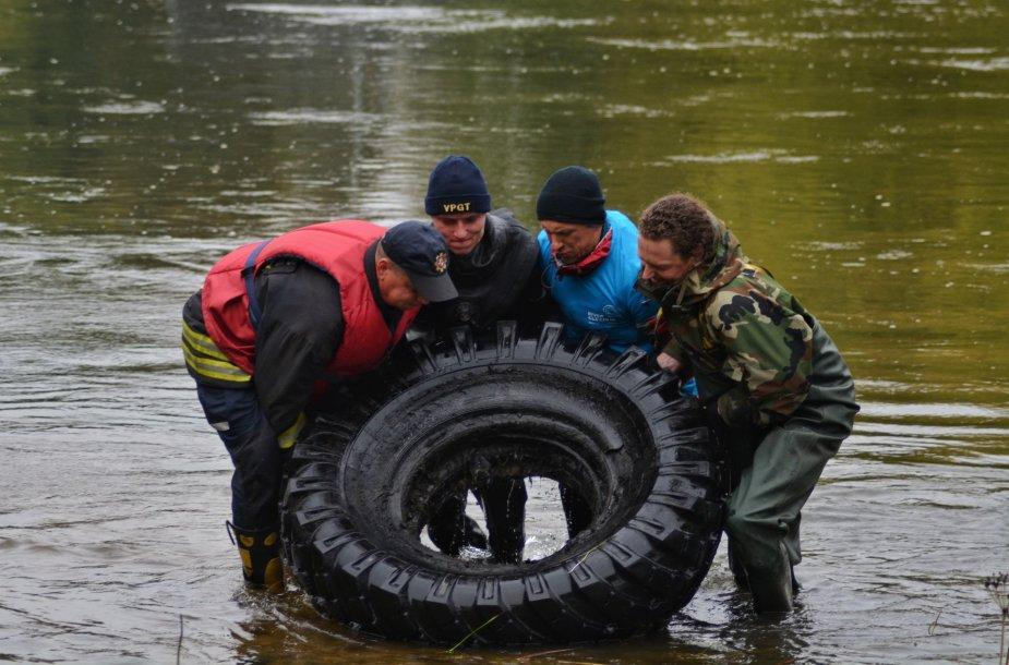 """""""River Cleanup"""" akcija"""